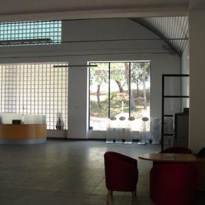 Uređenje izložbenog i uredskog prostora za potrebe prodajno - izložbenog salona Toyota vozila u Puli.